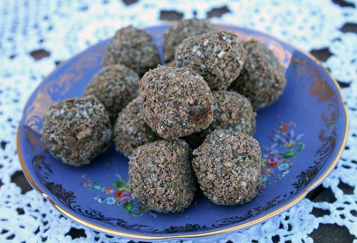 Coconut-Cream-Tim-Tam-Balls