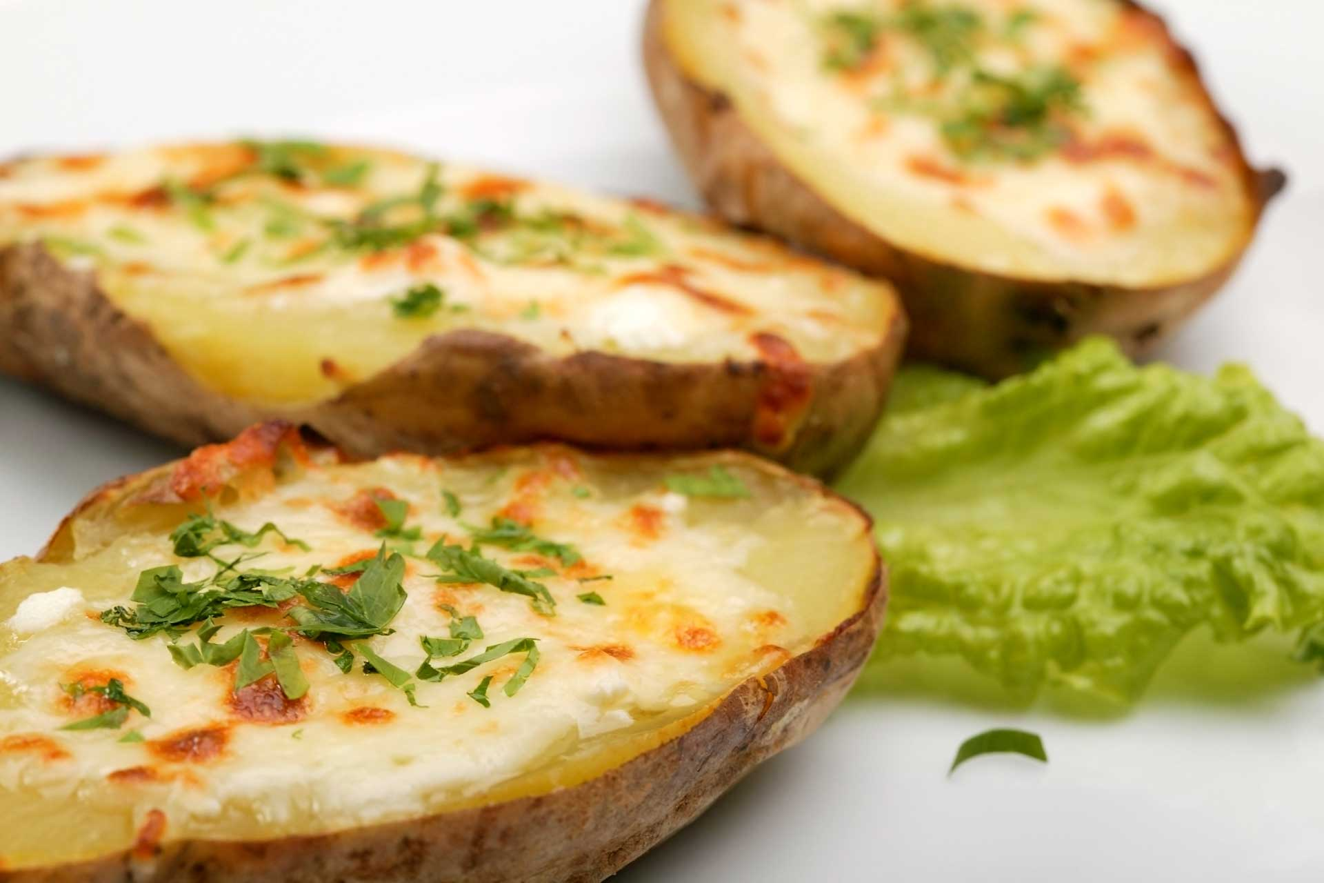baked-cheesy-potatos