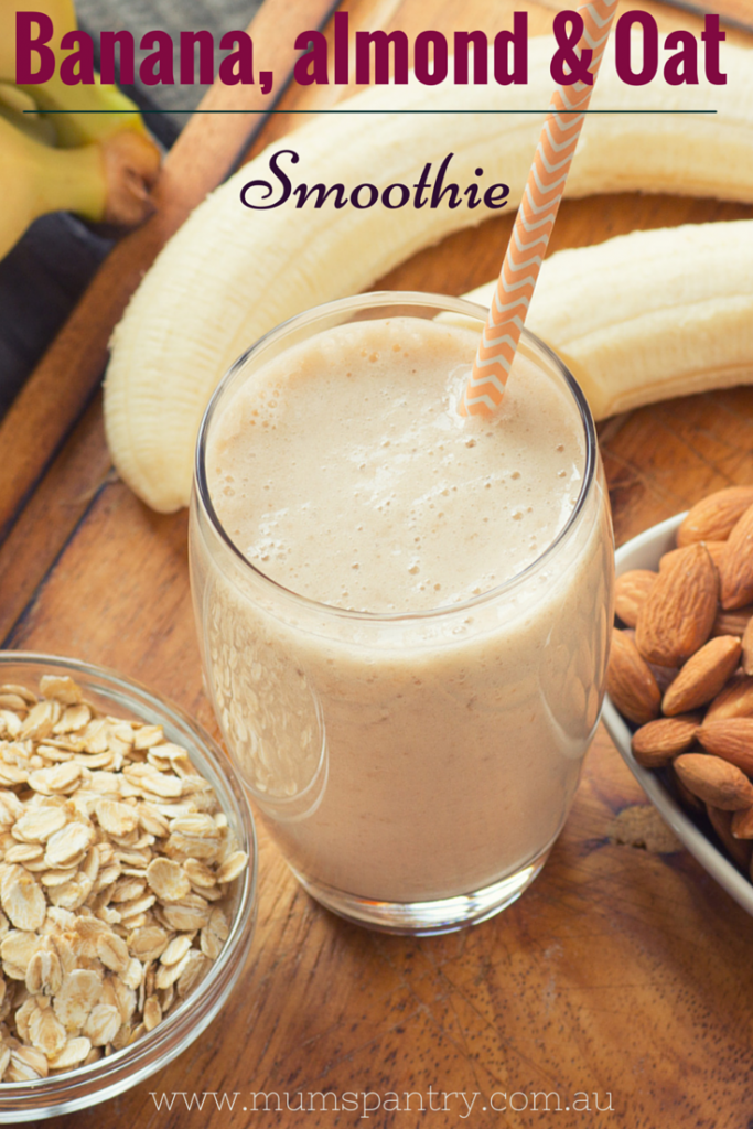 banana alomond and oat smoothie