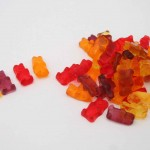 Low Calorie Gummy Bear Lollies – Just 2 Ingredients!
