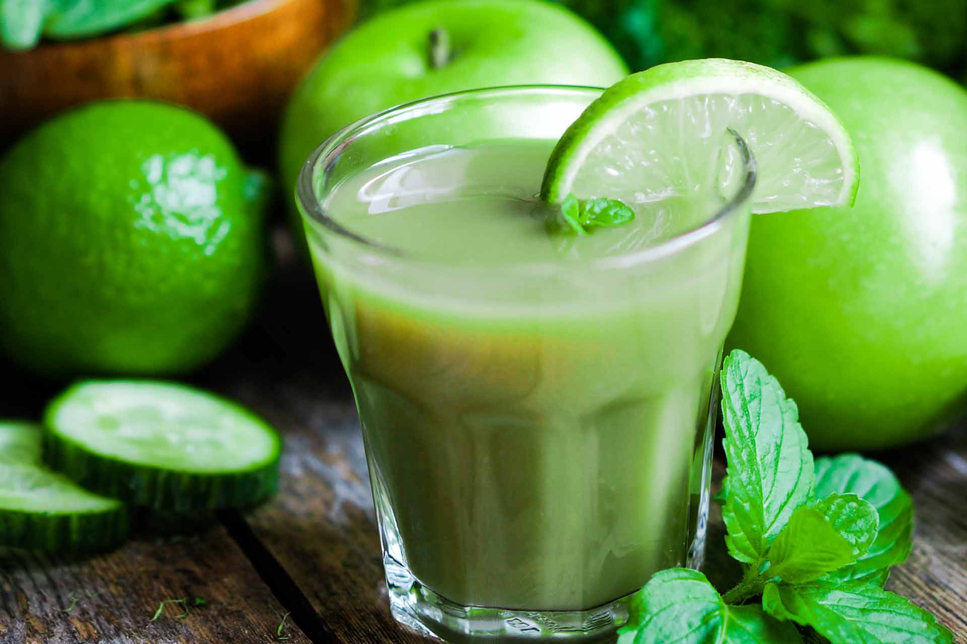 applpe-and-lime-juice