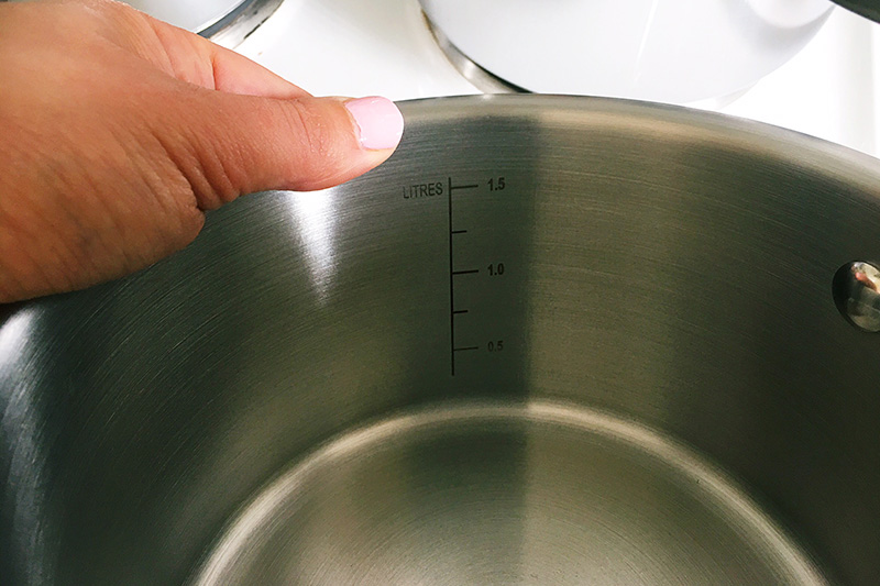 Raco cookware saucepans review - pots have internal measurements