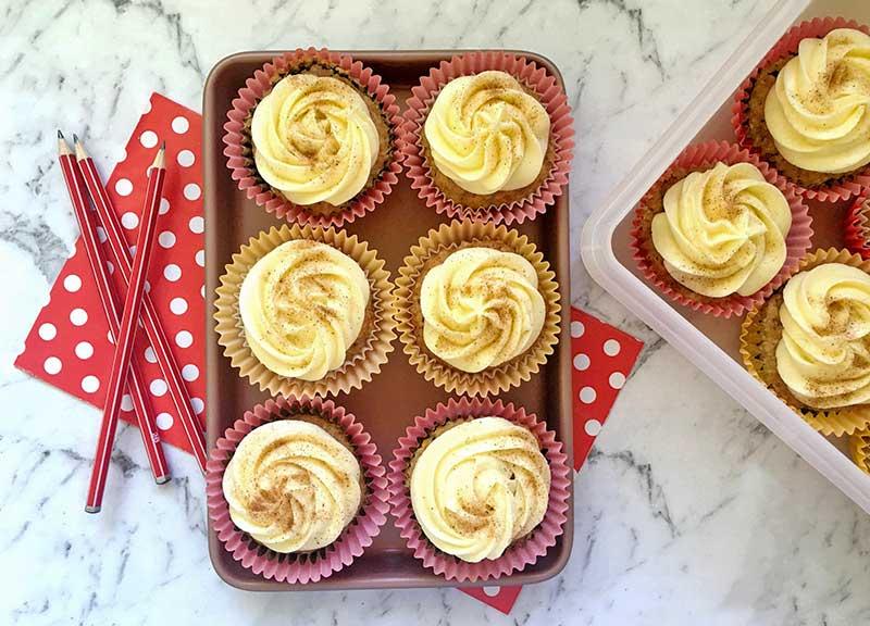 carrot cake, cupcake