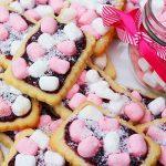Kids Iced Vovo biscuits