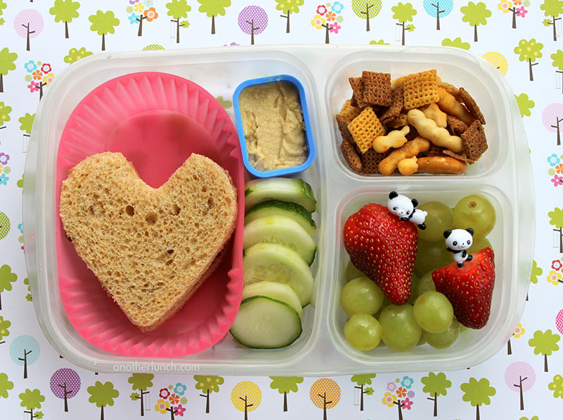 heart shaped sandwiches Valentine's Day school lunch box