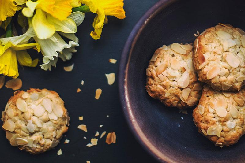 Greek Almond Macaroon Biscuits
